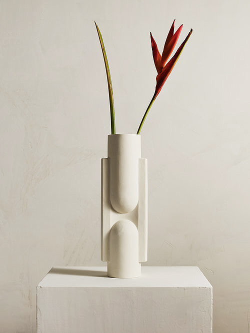 Aesence | Sculptural Objects by Light and Ladder